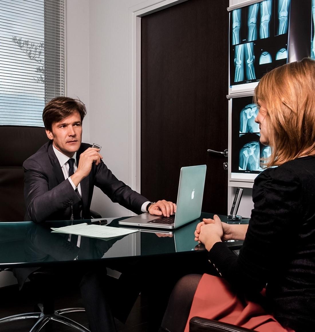 Consultation médicale en chirurgie orthopédique à Paris avec Dr Philippe